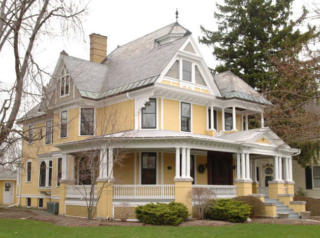 Canandaigua ny for Homes with porches all the way around